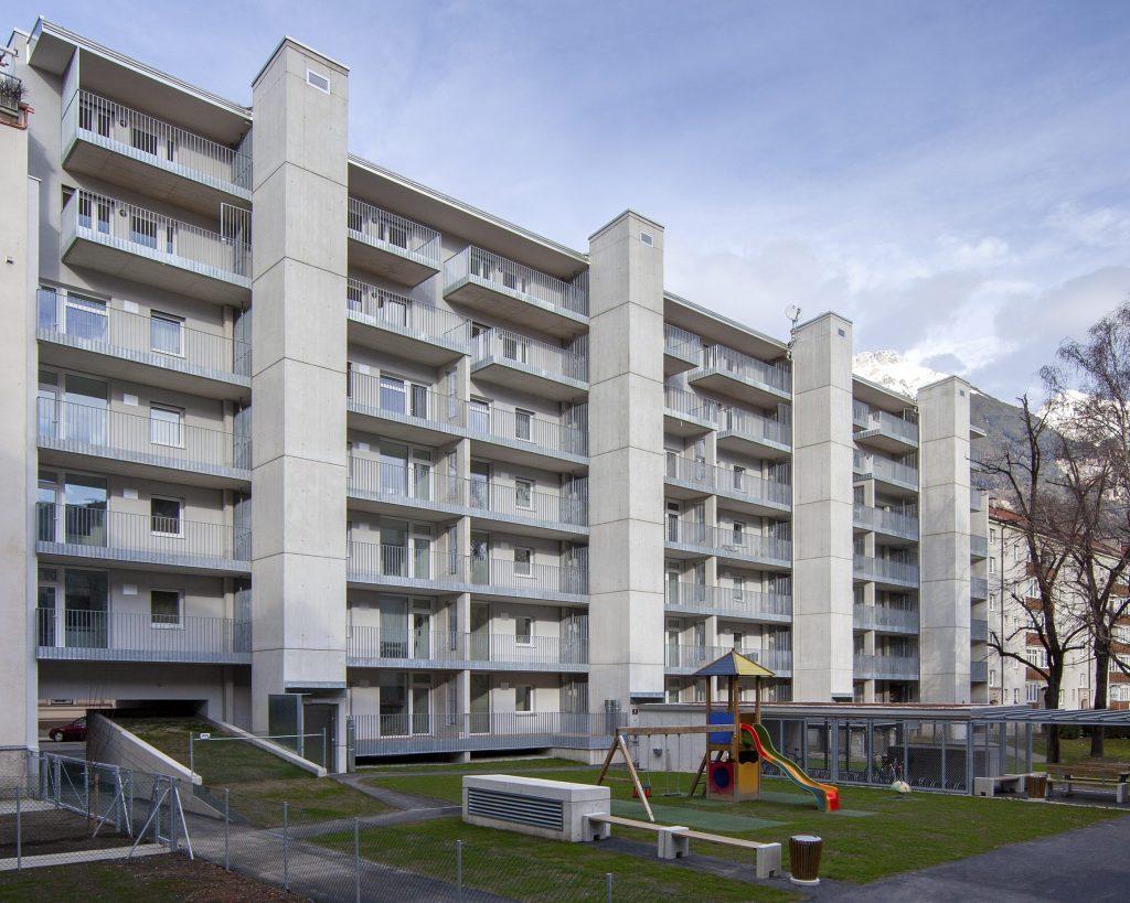 Sozialer Wohnungsbau Aufstockung und Sanierung Mozart-Schubertblock, Innsbruck:  1. Preis